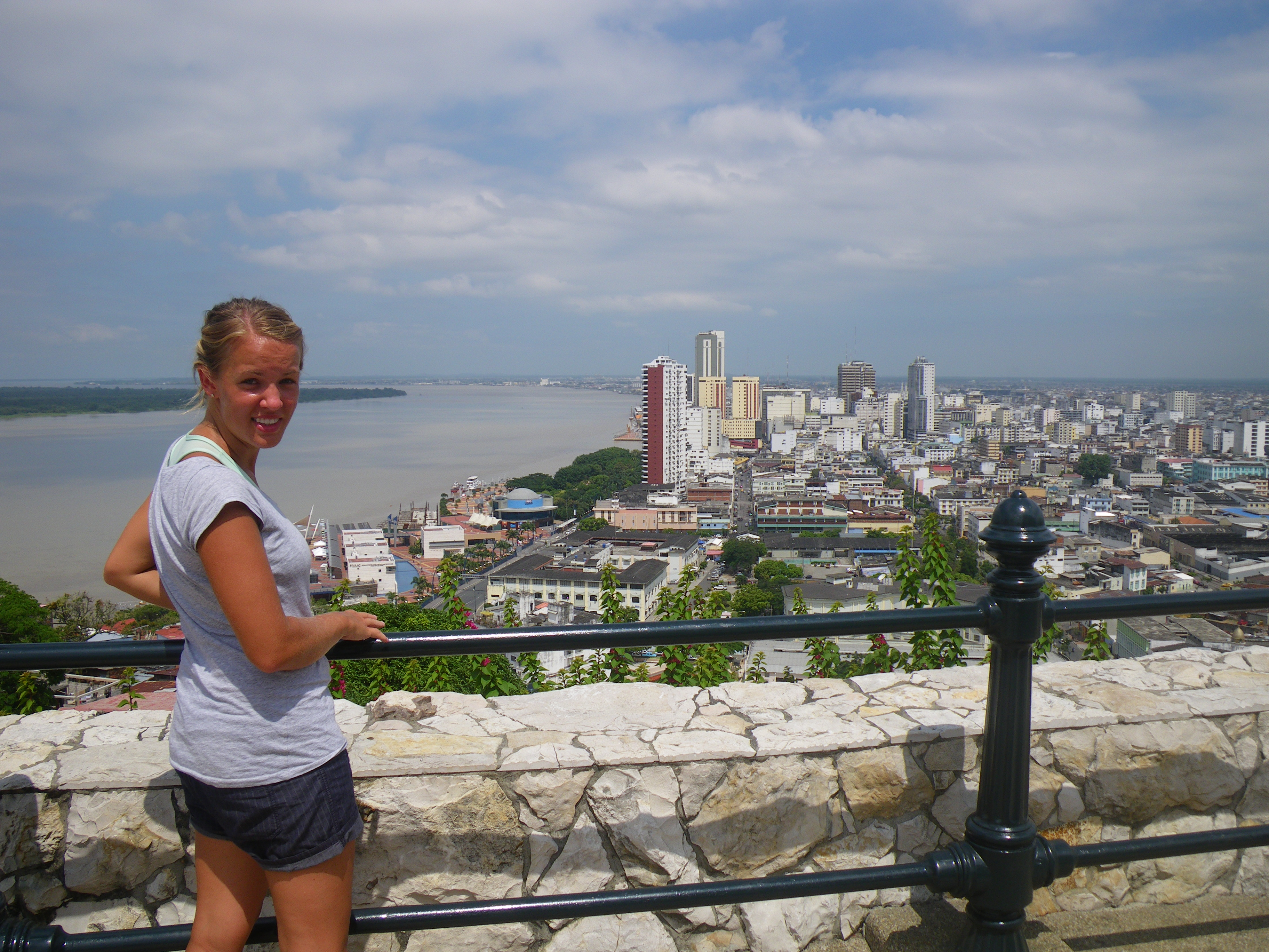 guayaquil tourism The warm port city of guayaquil welcomes international visitors to come and enjoy a wide variety of must-visit attractions.